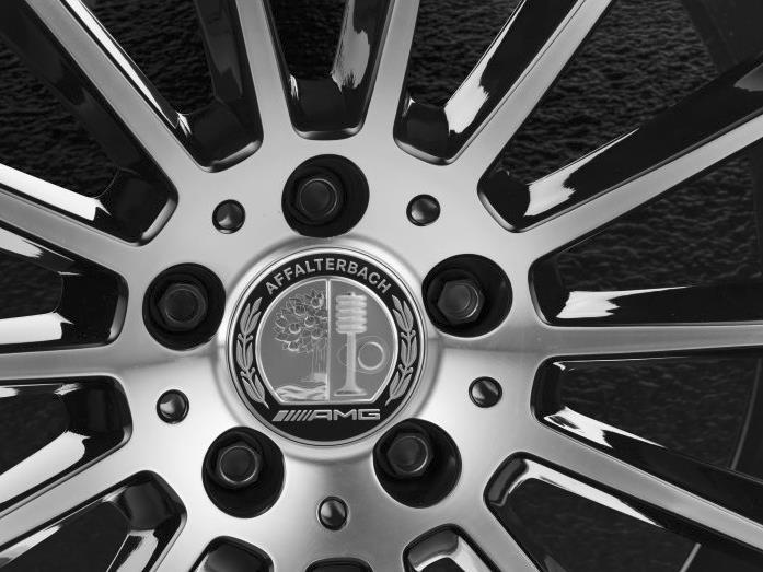 Radnabendeckel im Mercedes-AMG Design (Bild: Daimler AG)