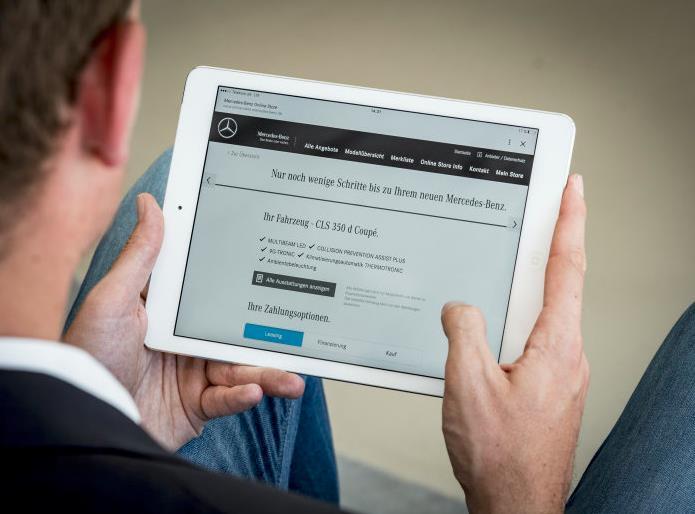 Mercedes-Benz Fahrzeuge kann man nun online kaufen (Bild: Daimler AG)