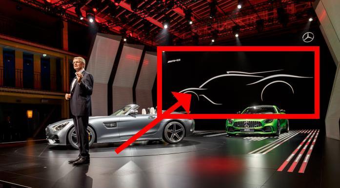 Hier noch versteckt hinter den Mercedes-AMG GT Modellen: Die Silhouette des AMG-Hypercars (Bild: Daimler AG)