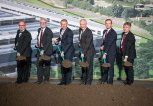 Daimler beginnt mit dem Bau einer zweiten Batteriefabrik bei der ACCUMOTIVE am Standort Kamenz (Bild: Daimler AG)